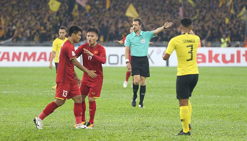 """HLV Lê Thuỵ Hải: """"Malaysia hết bài rồi, thầy Park thì còn nhiều"""""""