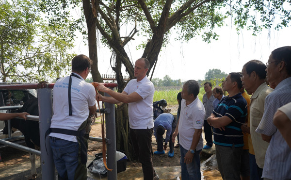 Nông dân Việt Nam, Hà Lan tập huấn chăn nuôi bò sữa