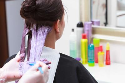 Người phụ nữ mắc ung thư do nhuộm tóc, con gái đau lòng để mẹ 'chết tự nguyện'