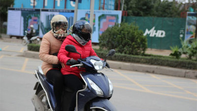 Tuyệt chiêu xử lý sự cố xe máy trong ngày giá lạnh