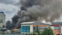 Khói lửa cuồn cuộn gần Liên đoàn Bóng đá Việt Nam