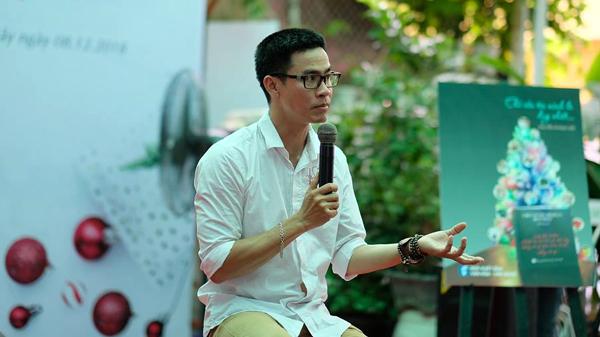 Nguyễn Phong Việt: Không có chuyện làm giàu được từ thơ