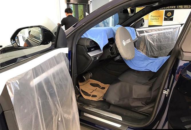 Cận cảnh siêu SUV Lamborghini Urus đầu tiên của đại gia Lào