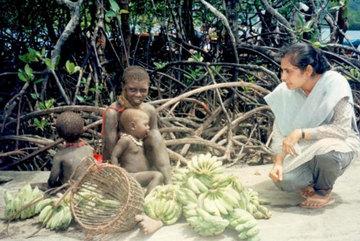 Bí mật của người phụ nữ tiếp cận với bộ tộc nguy hiểm nhất thế giới