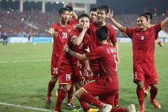 Nhiều đại học dựng màn hình lớn để sinh viên xem chung kết AFF Cup 2018