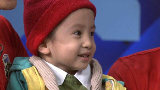 Quang Hải, Đức Chinh khóc vì tình yêu bóng đá của bé 4 tuổi mắc u não
