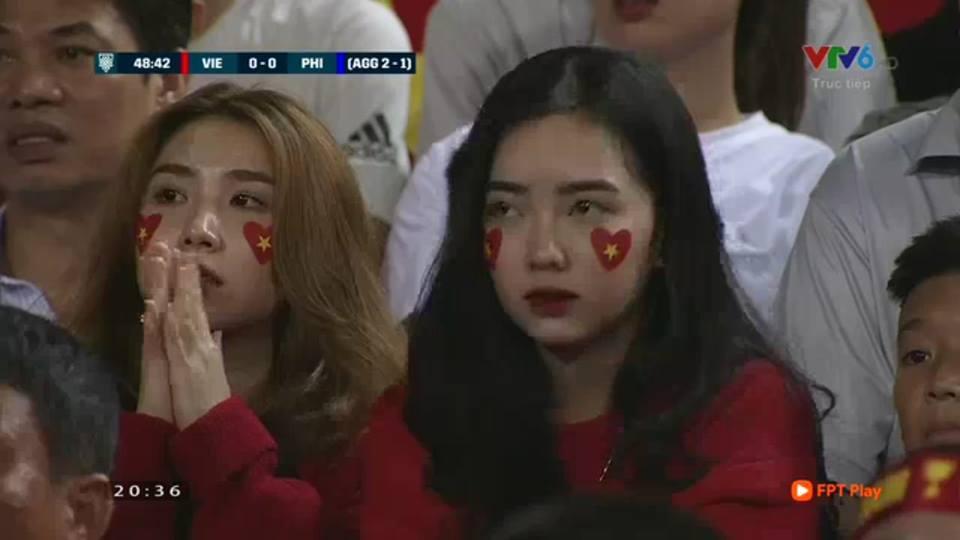 Cổ động viên,Hot girl,Hà Đức Chinh,AFF Cup 2018,Bạn gái cầu thủ