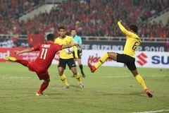 Chiêm ngưỡng tuyệt phẩm của Anh Đức tung lưới Malaysia