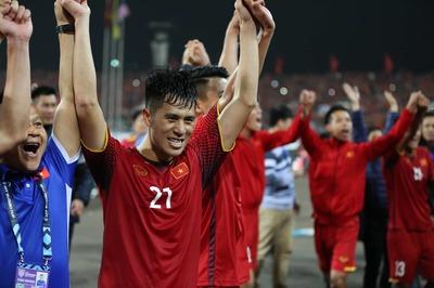 Đình Trọng đá quả cảm, chấn thương nặng lỡ hẹn Asian Cup