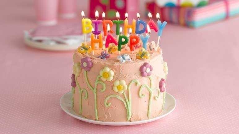 Thực khách 'ngớ người' khi cắt bánh sinh nhật trong nhà hàng phải trả thêm tiền
