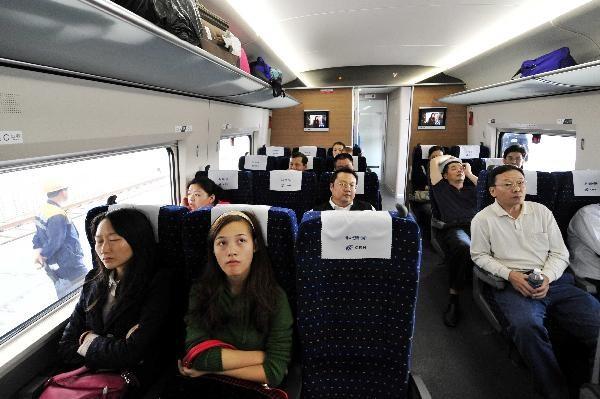 Khách Trung Quốc ngồi tù vì chiếm chỗ người khác trên tàu