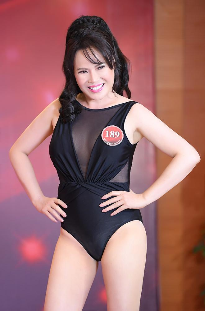 Quý bà Việt khoe dáng bốc lửa trong phần thi áo tắm