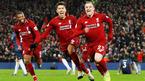 """Liverpool """"nghiền nát"""" MU, chiếm ngôi đầu bảng"""