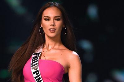 Nhan sắc nóng bỏng khó cưỡng của tân Hoa hậu Hoàn vũ 2018