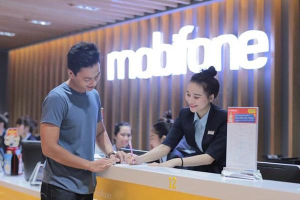 MobiFone hoàn 25% cước cho khách chuyển mạng giữ số