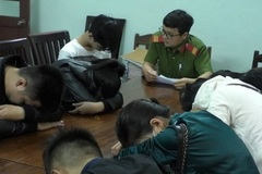 13 nam nữ mở 'tiệc ma túy' mừng Việt Nam vô địch AFF Cup