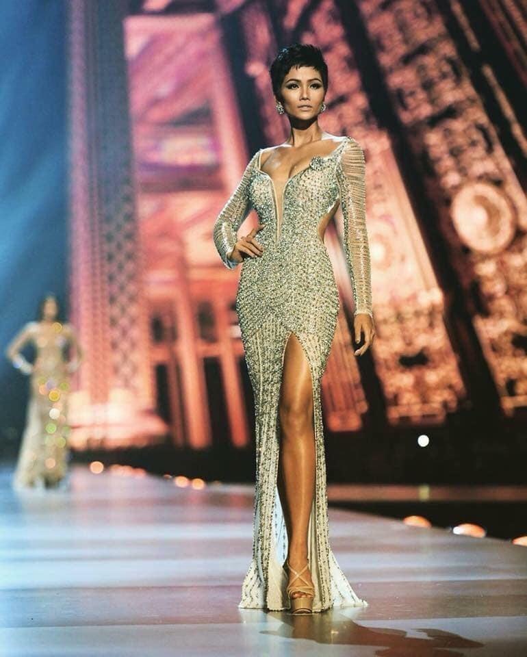 H'Hen Niê mất cơ hội vào top 3 Hoa hậu Hoàn vũ 2018 vì lỗi phiên dịch?