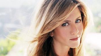 Jennifer Aniston tuyên bố luôn hạnh phúc dù không có đàn ông và con cái