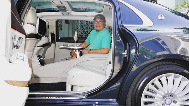 Vừa chuyển giao 2 lâu dài, Khải Silk còn bán cả siêu xe Rolls-Royce Phantom