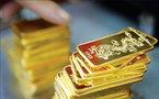 Giá vàng hôm nay 21/12: USD tụt giảm, vàng vụt tăng