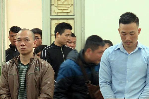 Hà Nội: Giám đốc thực hiện màn đòi nợ kinh hoàng trên xe ô tô