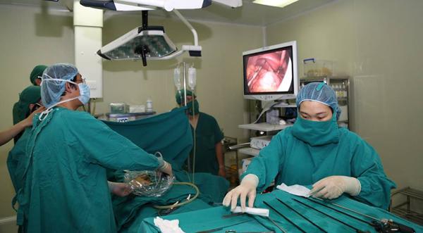 Người đàn ông Hà Nội có tim và dạ dày lộn ngược khiến bác sĩ kinh ngạc