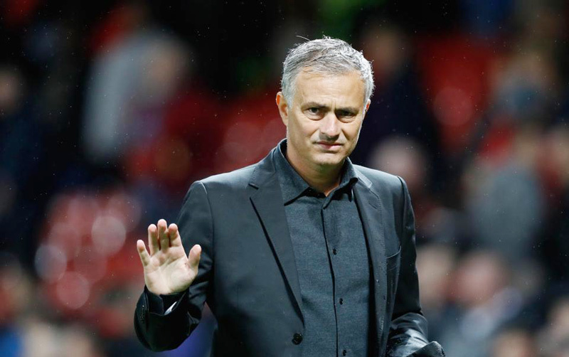 MU sa thải HLV Mourinho