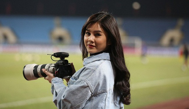 Nữ MC Thể thao Việt hot nhất AFF Cup 2018 lên báo Hàn