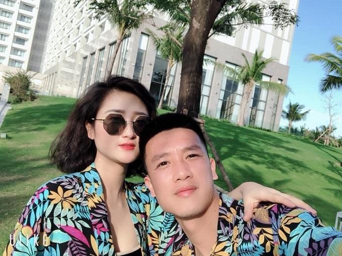 Huy Hùng,Hot girl,Bạn gái cầu thủ,Tình yêu,Yêu xa