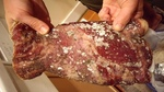 Chuyên gia chỉ cách nhận biết thịt bị nhiễm bẩn thế nào cho đúng