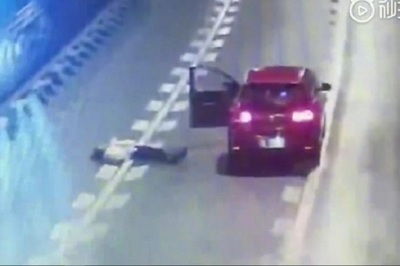 Cãi nhau với bạn trai, cô gái nằm lăn giữa đường cao tốc