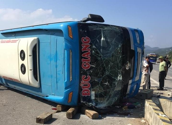 tai nạn,tai nạn giao thông,lật xe khách,Quảng Ninh