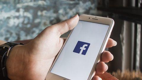 Facebook cho phép các hãng công nghệ lớn truy cập dữ liệu