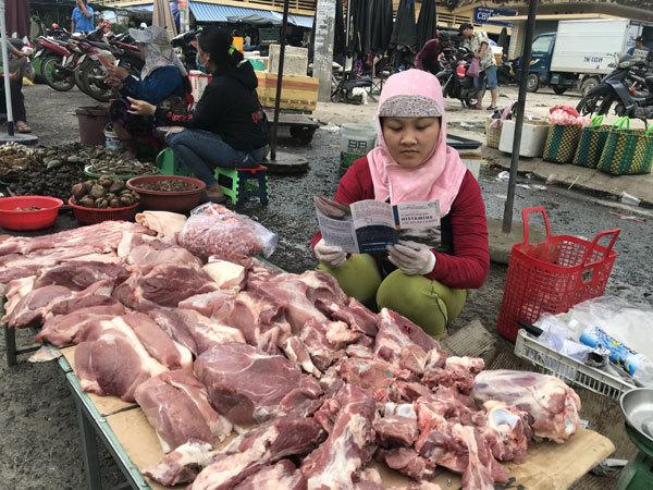 Cách phân biệt thịt lợn sạch và thịt nhiễm giun sán
