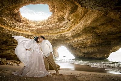 Bộ ảnh cưới tái hiện chuyện tình Paris của cặp đôi Việt