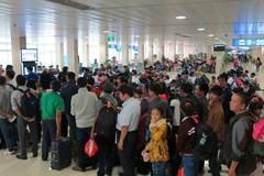 Máy bay dịp Tết rất 'kiêu', mua vé giá rẻ kiểu gì mới xong?