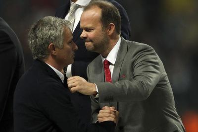 Từ Moyes đến Mourinho: MU là nô lệ của Ed Woodward