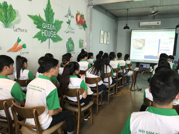 Diễu hành truyền thông an toàn thực phẩm tại Nha Trang
