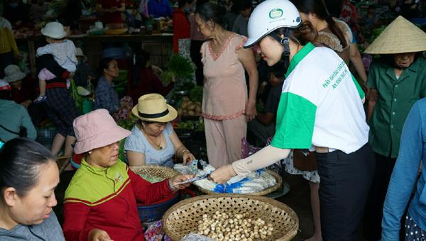 Bình Định phổ biến kiến thức an toàn thực phẩm đến người dân
