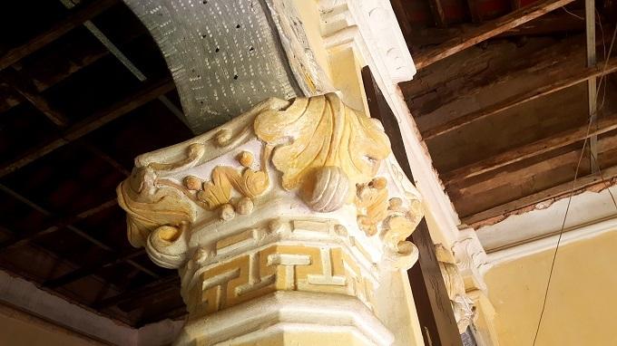 Các họa tiết phía bên trong căn biệt thự.