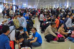 Khách vật vờ ở sân bay phát ớn, Bộ trưởng Thể chỉ đạo gì?