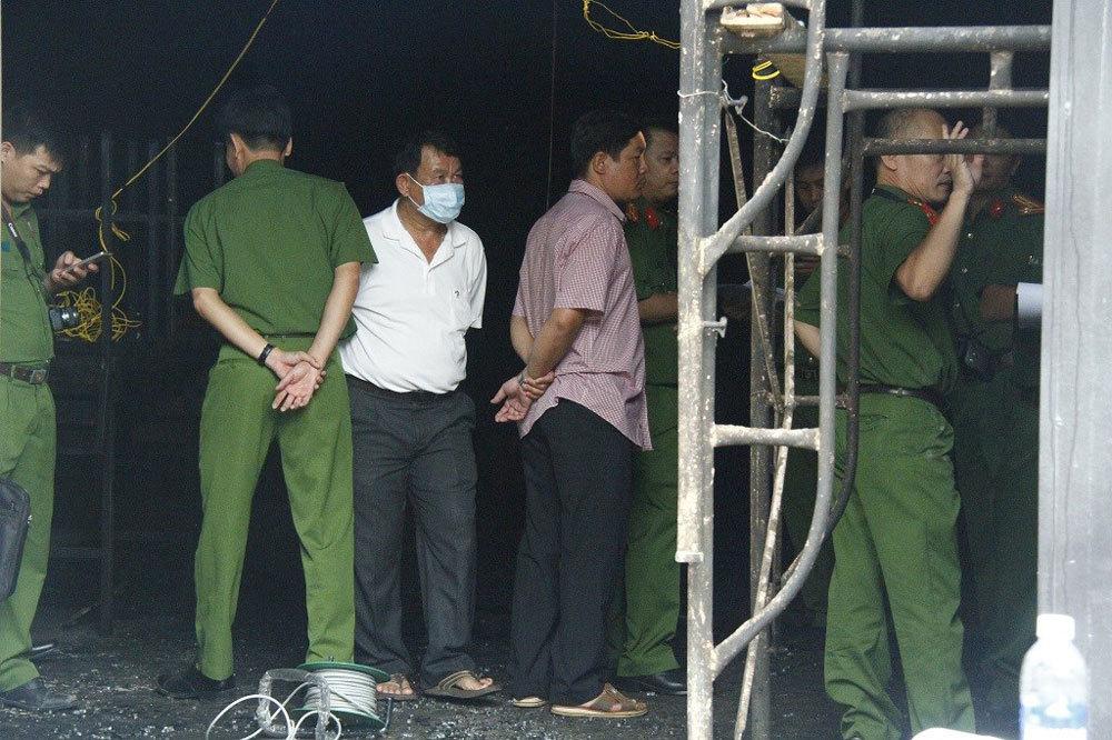 Hiện trường tan hoang vụ cháy nhà hàng, 6 người chết ở Đồng Nai