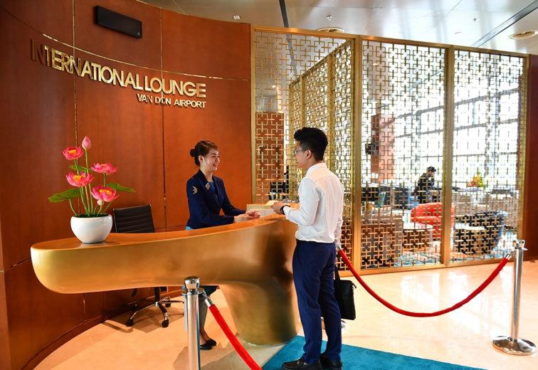Chơi độc nhất Việt Nam: Phòng chờ sân bay ngỡ là club resort 5 sao