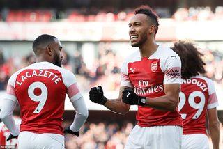 Aubameyang lập cú đúp, Arsenal bỏ túi 3 điểm