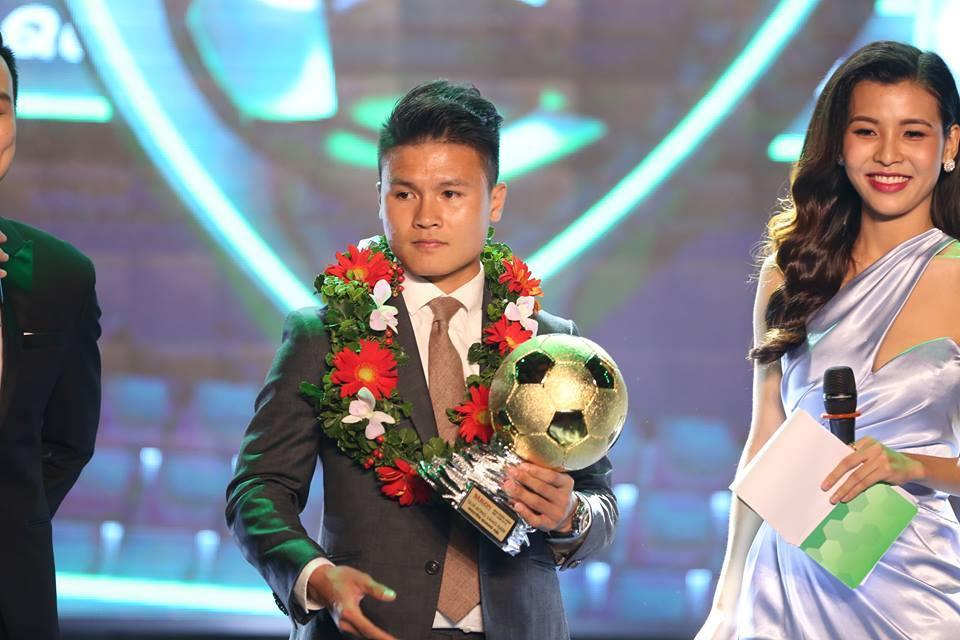 Quang Hải chiến thắng Quả bóng vàng Việt Nam 2018