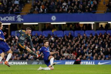 Vardy lập đại công, Leicester đánh gục Chelsea