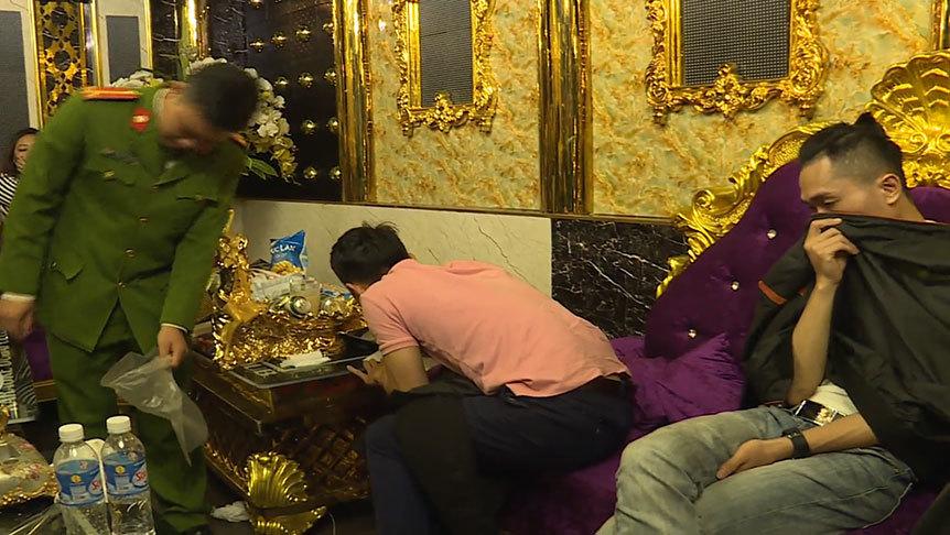 ma túy,tiệc ma túy,cô giáo,Hà Tĩnh
