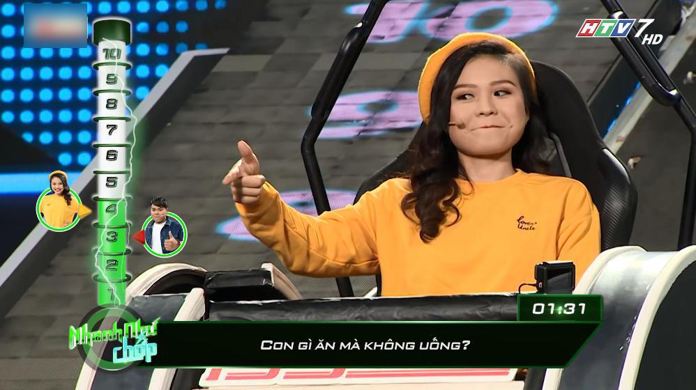 Trường Giang 'cười té ghế' với Lê Giang ở 'Nhanh như chớp'