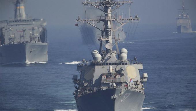Iran nã rocket 'dằn mặt' tàu sân bay Mỹ