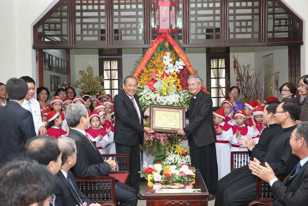 Phó Thủ tướng Trương Hòa Bình chúc mừng Giáng sinh tại Thừa Thiên Huế